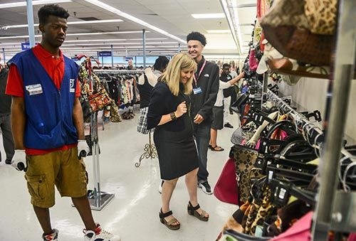Mayor Megan Barry Finds Lots Of Choices At Goodwill In The Purse Department
